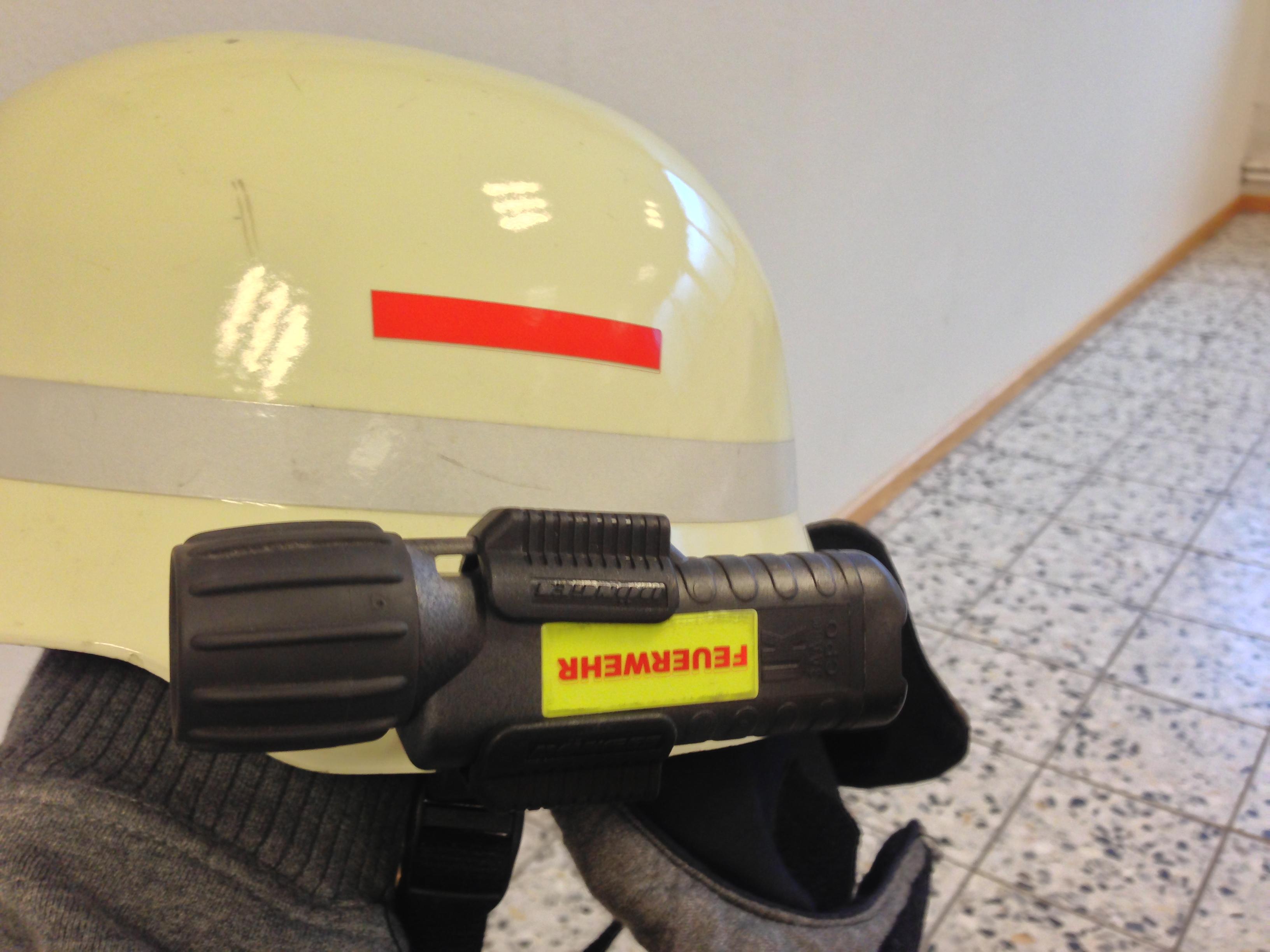 Lampenhalterung am Helm ohne Visier