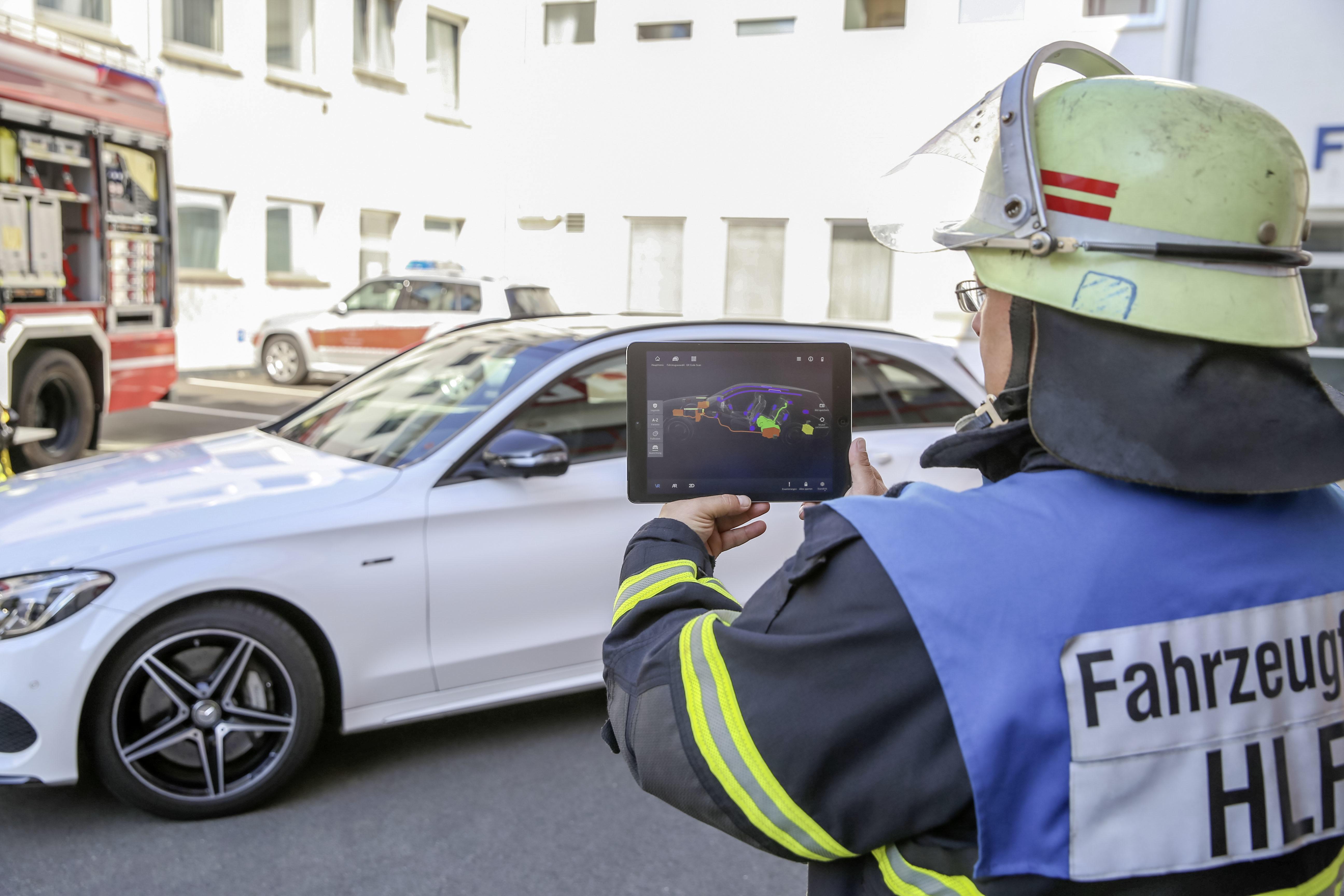 Augmented Reality kann beim Verkehrsunfall helfen | www.spruettenhus.eu